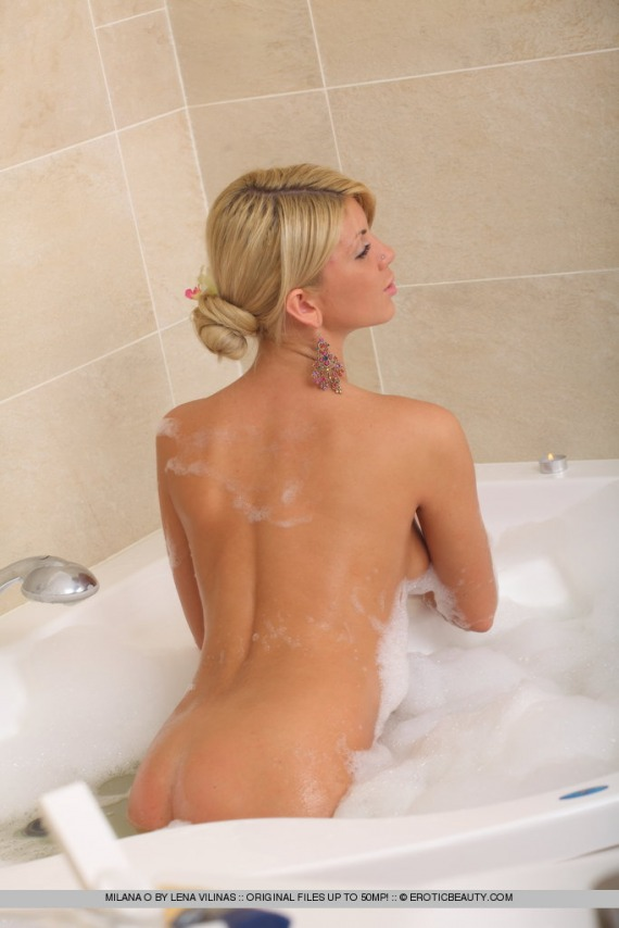 Milana O, blonde, strip, nude, bath, mirror, bubbles