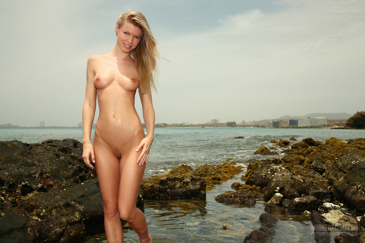 Marketa Belonoha, blonde, nude, pose rocks, wet