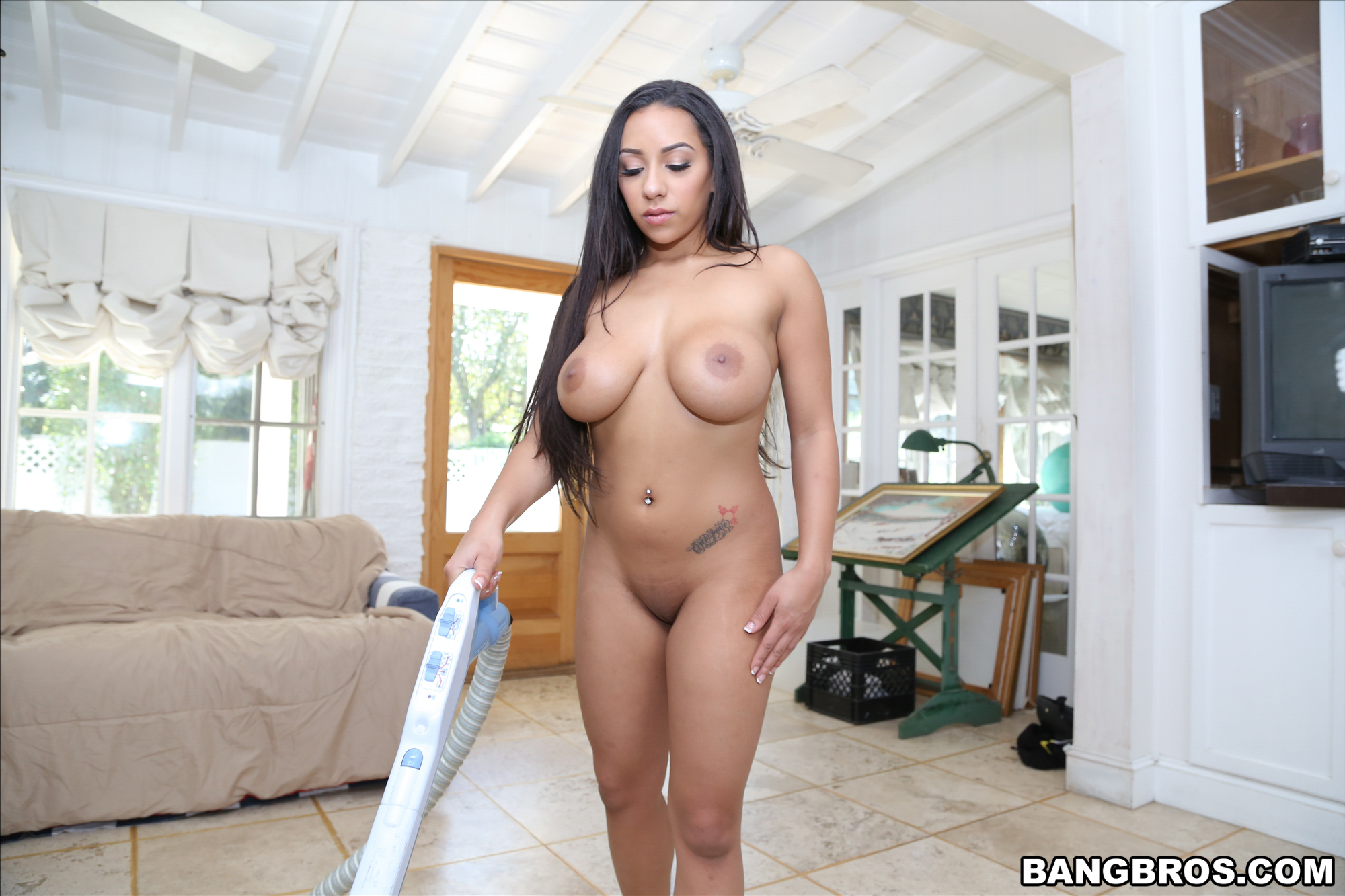 Priya Is Cleaning Up Naked - Sexy Gallery Full Photo -4130