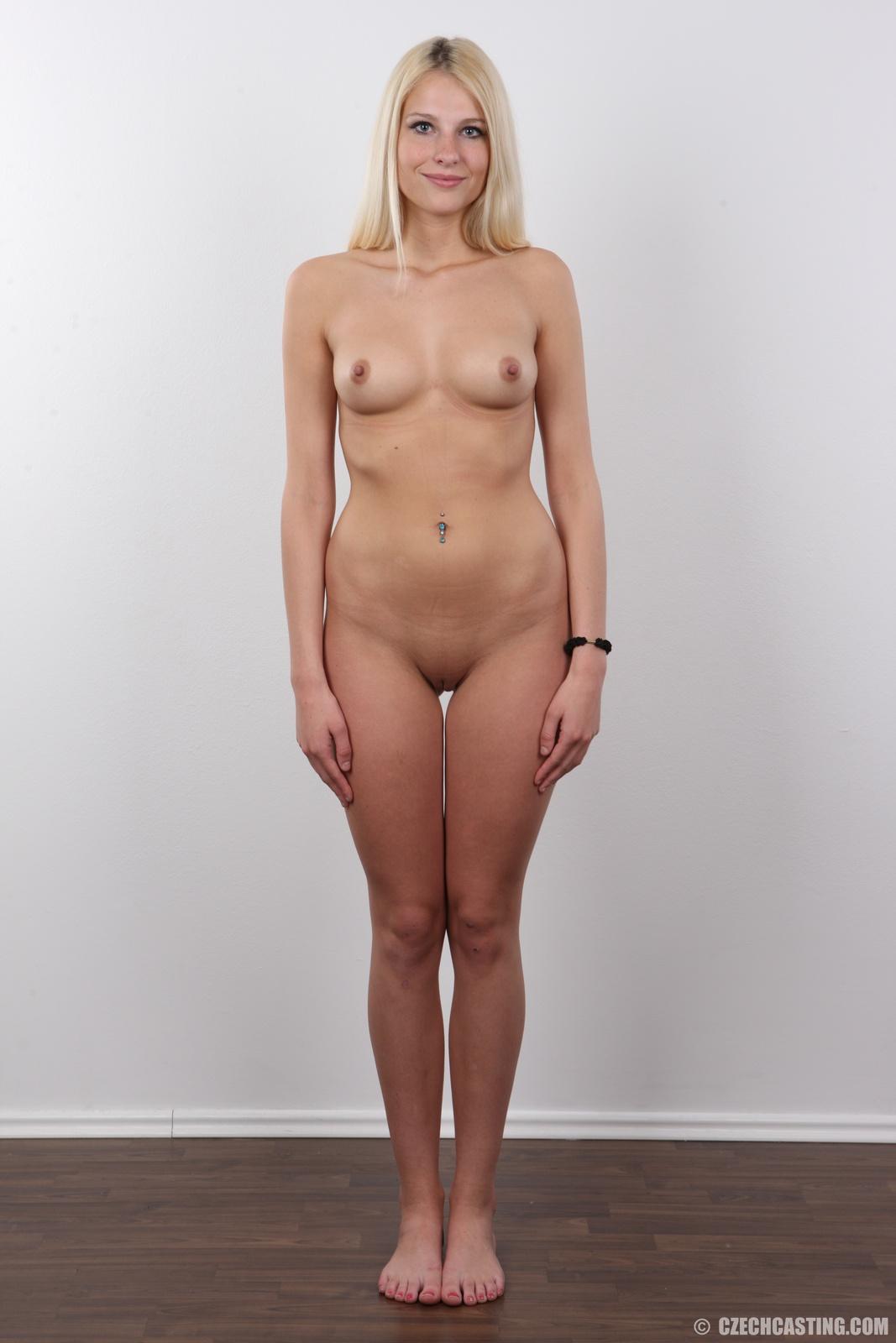 Amateur girlfriend spanking