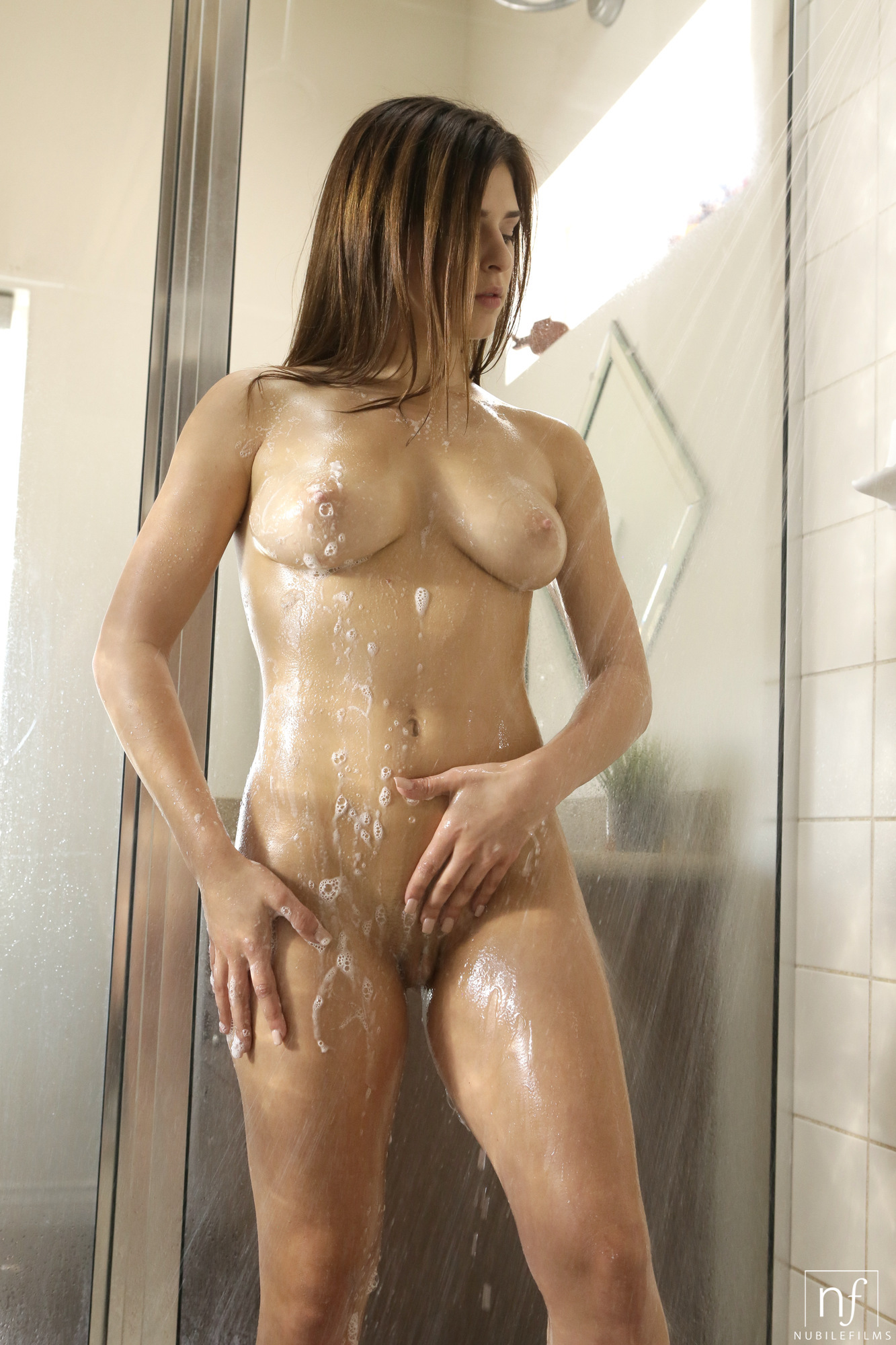 Nude models in the shower wet — pic 7