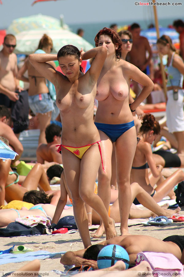 Topless Girls At The Beach - Sexy Gallery Full Photo -5215