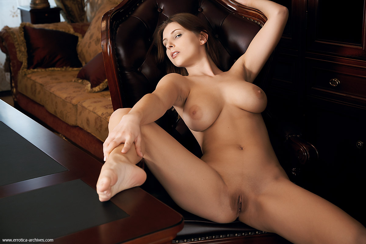 Beautiful naked secretary