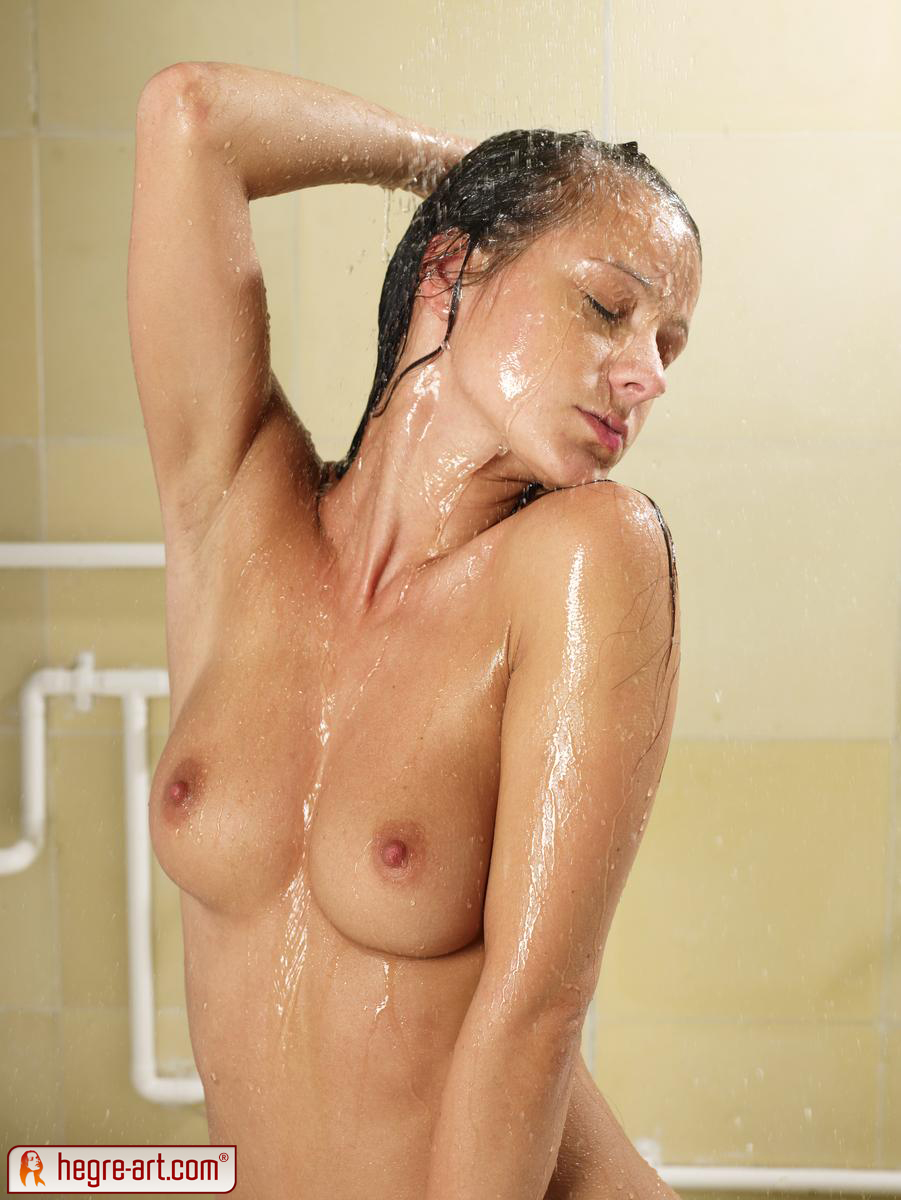 Britney spears shower nude images-4790