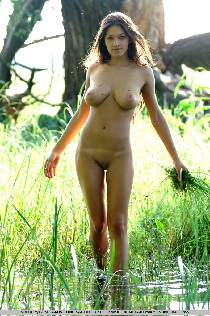 Sexy naked swamp girl