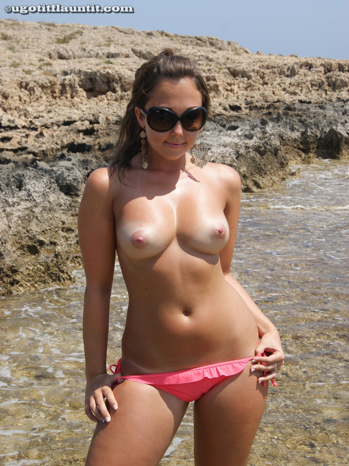 Very pity sexiest topless bikini girls here not
