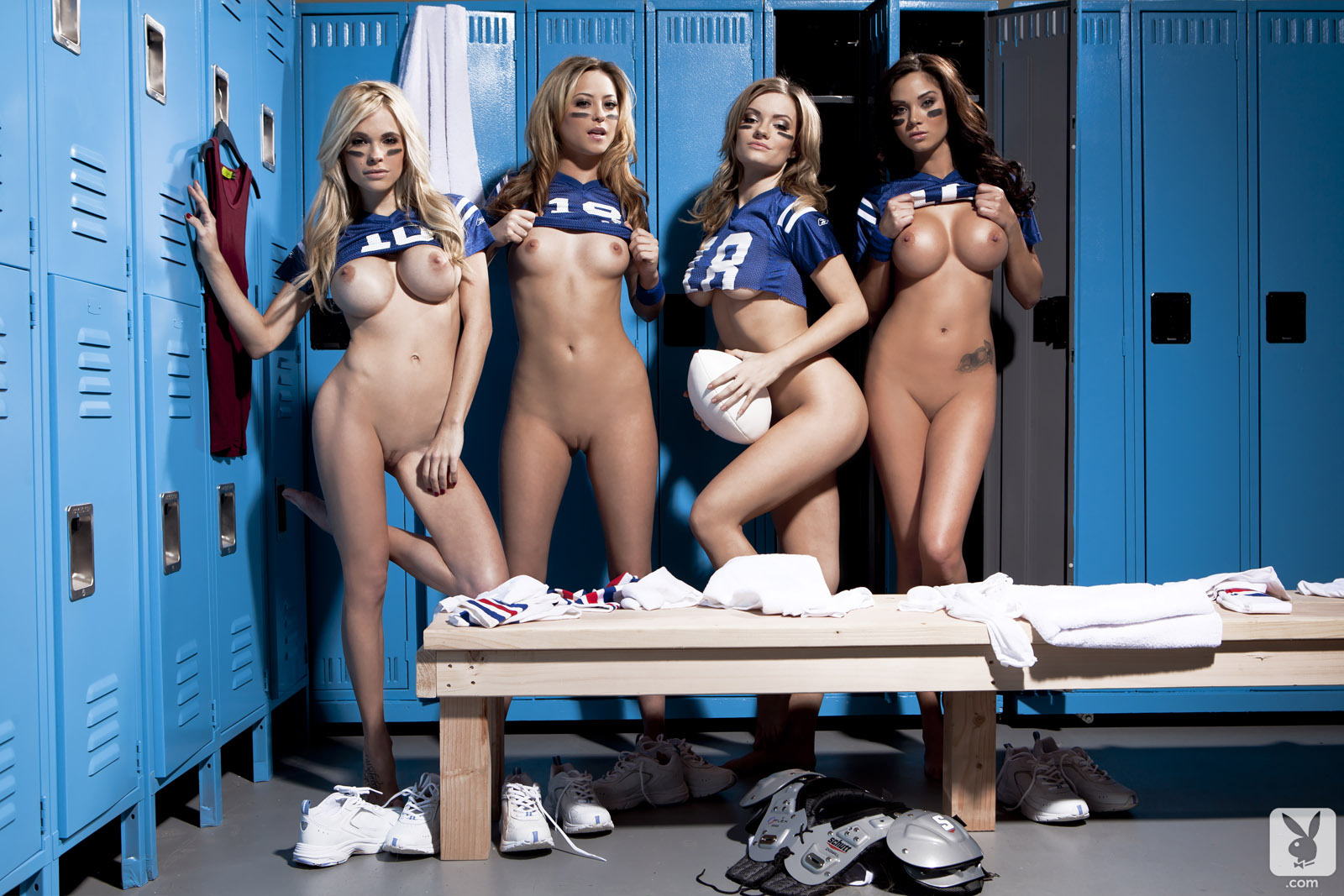 locker-room-girls-sex-young-girls-with