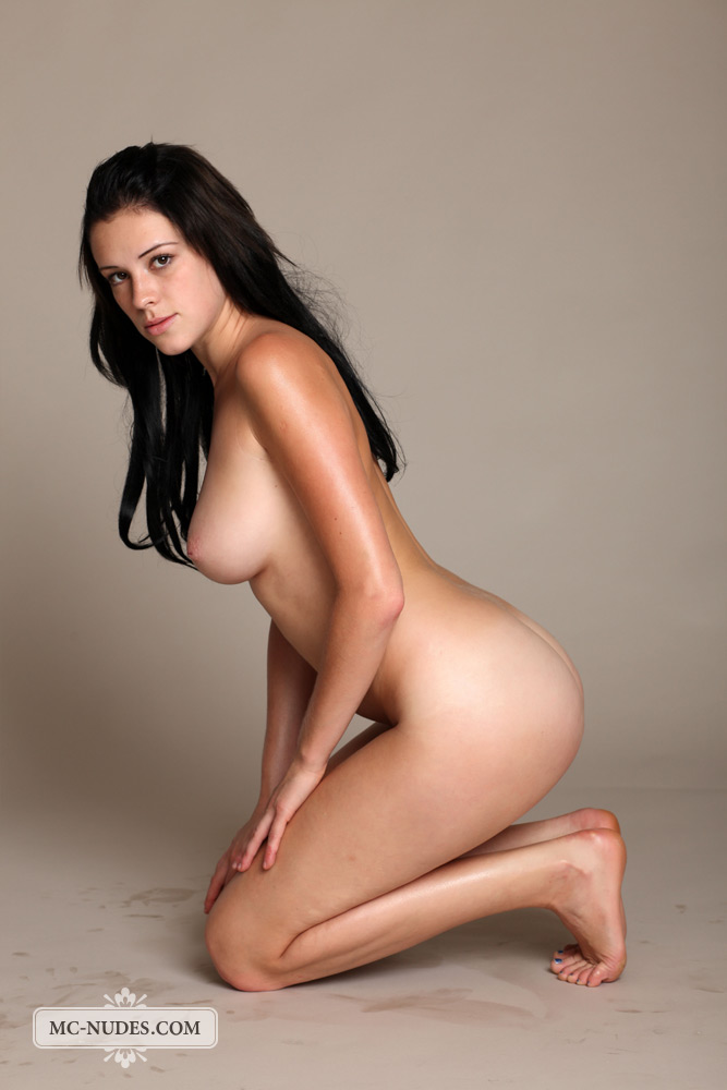 nudes Brunette swedish