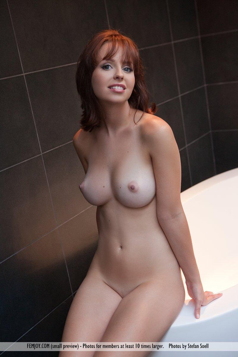 Hayden Winters Femjoy Complete hayden winters nude in the bathroom - sexy gallery full photo