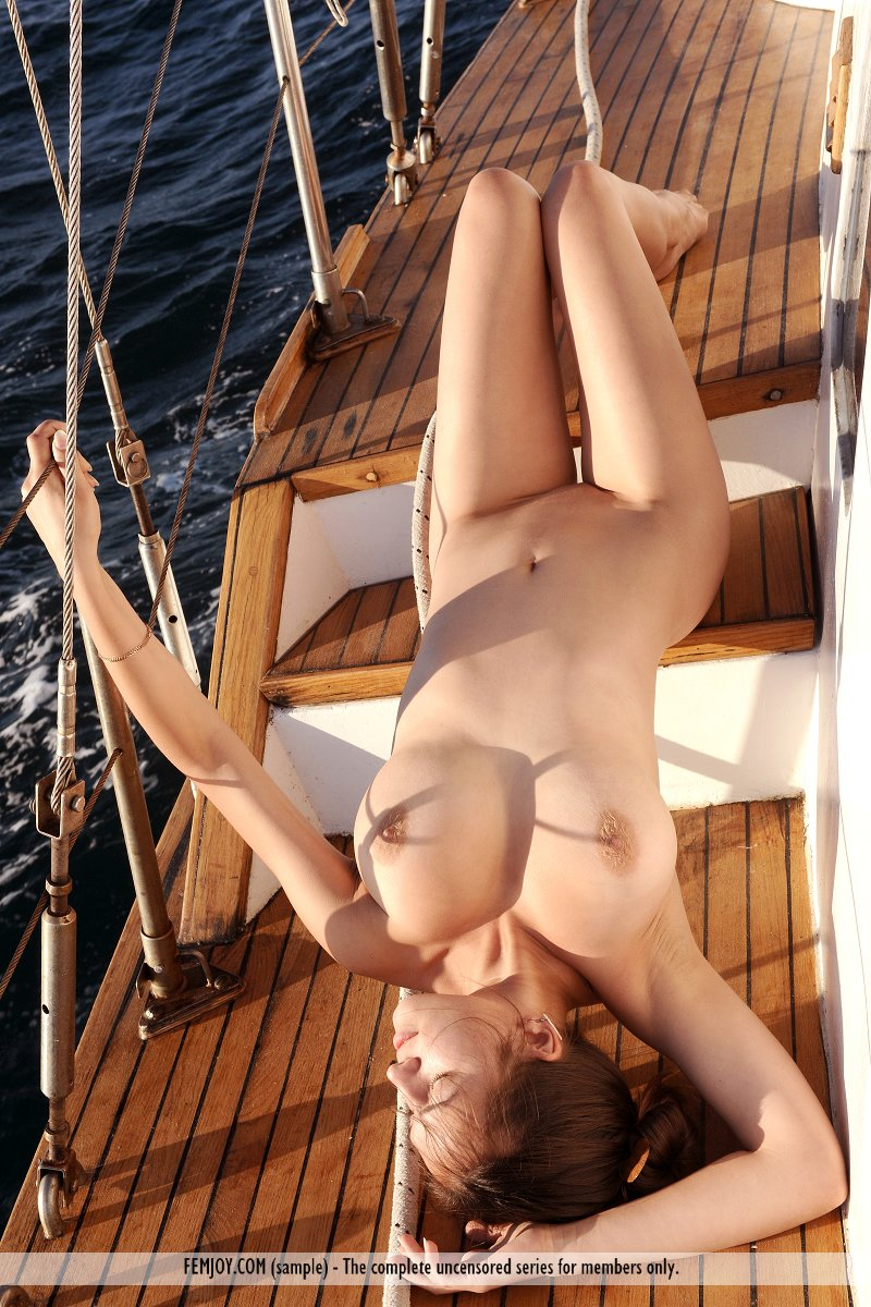 girls-nude-on-cruise-ships