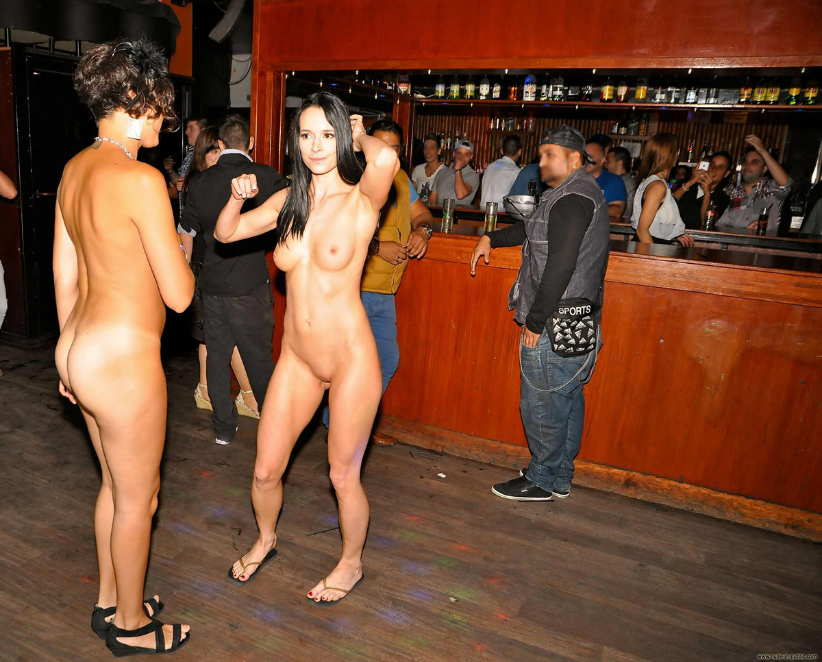 Girls nude at clubs 1