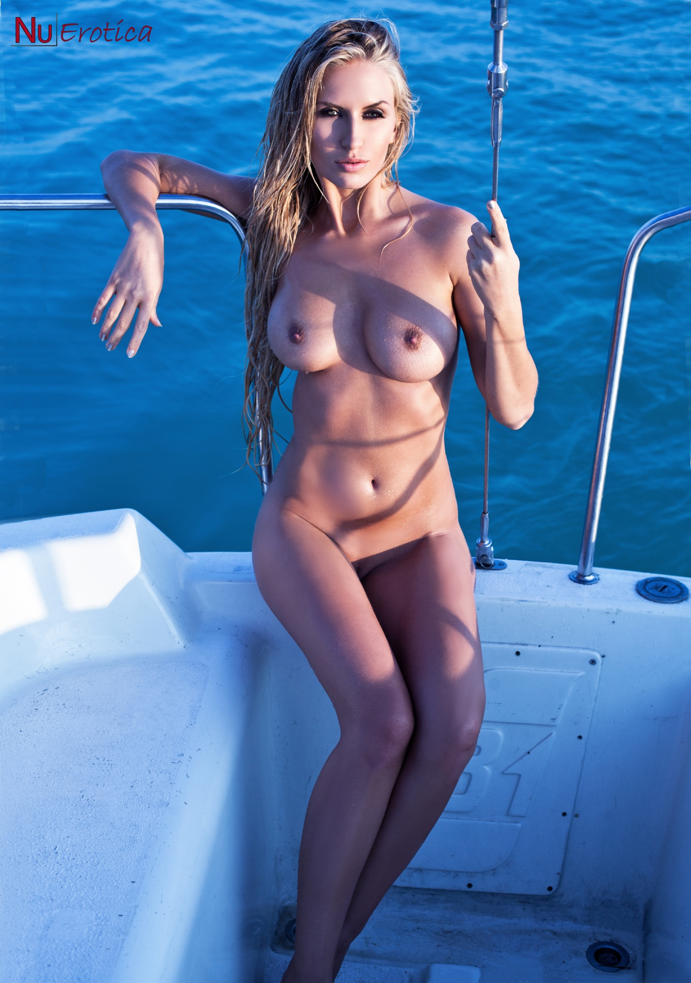 Babe wife nude boating
