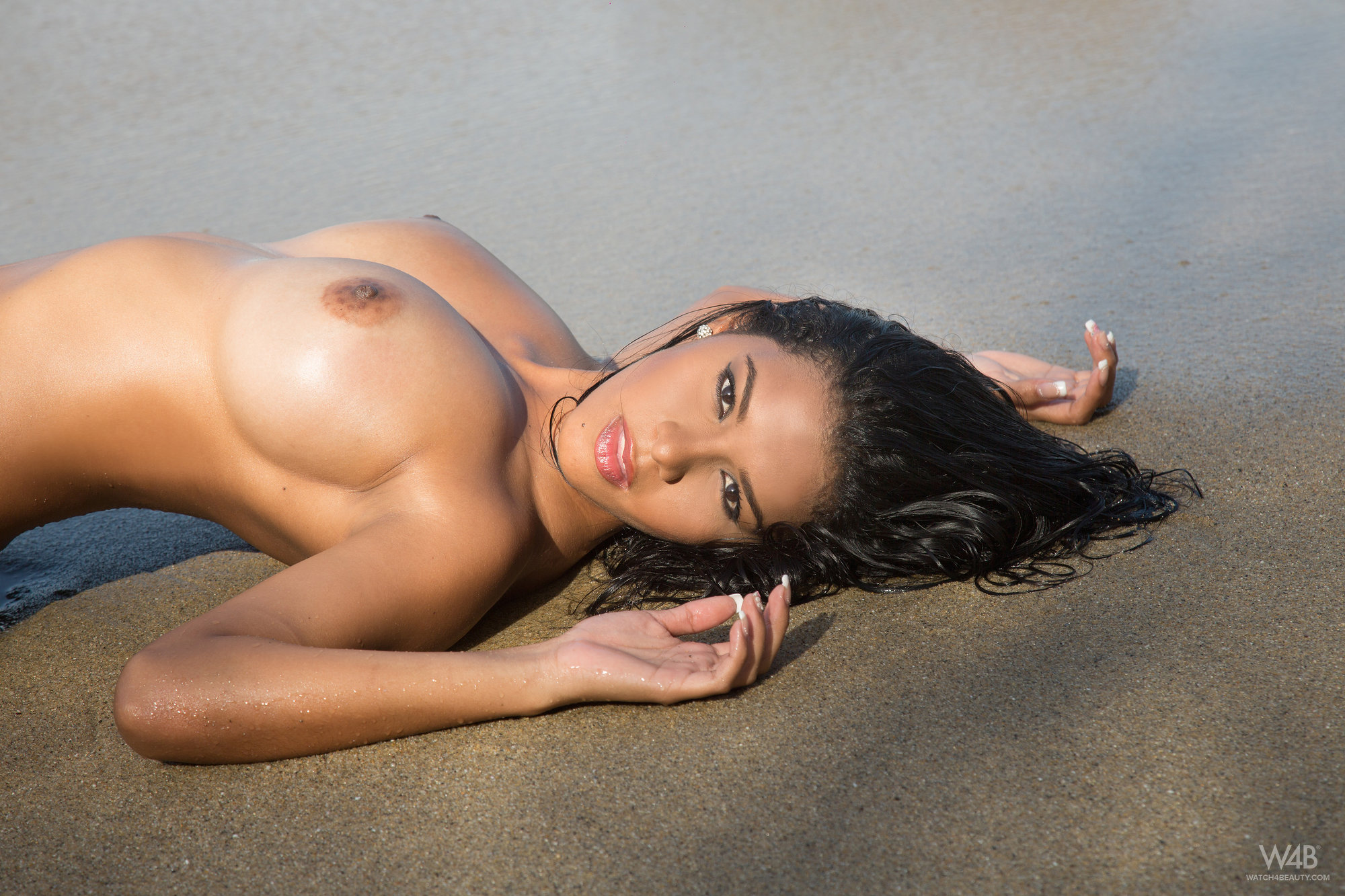 nude-latina-girls