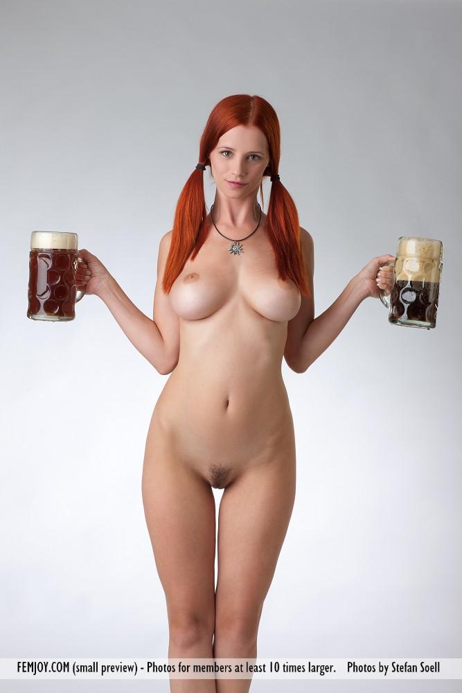 Kate Nude